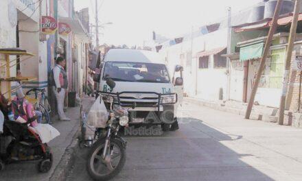 Pasajeros se quejan del mal servicio de las combis ruta 9 Chietla-Tlancualpican
