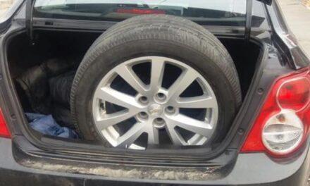 Detiene a tres hombres que se dedicaba al robo de neumáticos