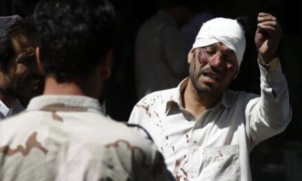 Coche bomba mató a 80 personas en Kabul, Afganistán