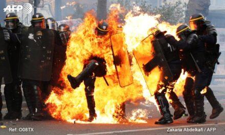 La marcha del 1 de mayo en París dejo a dos policías lesionados