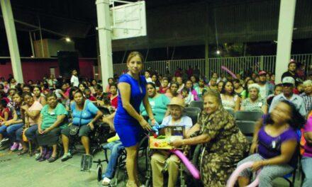 Autoridades de Chietla continúan con  los festejos del Día de la Madre