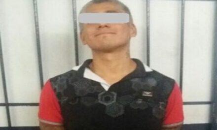 Un sujeto fue detenido con cinco envoltorios de cocaína en piedra