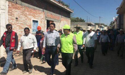 Edwin Mora supervisó la  demolición de viviendas