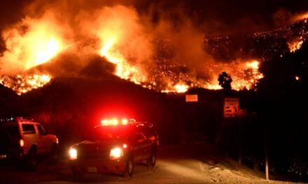 Miles de evacuados en California por un incendio