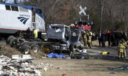 Se accidenta tren en el que viajaban congresistas republicanos en Virginia