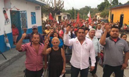 Familias respaldan  a Olaf Ponce  en Chietla
