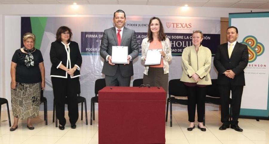 """El poder judicial del estado de puebla firma convenio de colaboración para la digitalización del """"Fondo Real de Cholula"""" con la universidad de Texas."""
