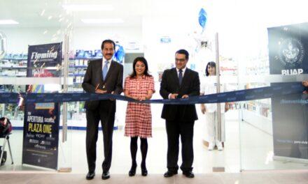 El rector Alfonso Esparza inauguró la vigésima sucursal de Farmacias Fleming