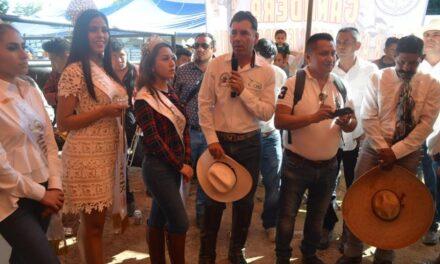 Realizan en Chiautla de Tapia el tradicional desfile Navideño