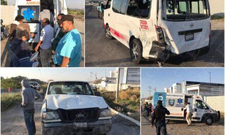 Accidente automovilístico dejó varios estudiantes de la prepa Buap lesionados