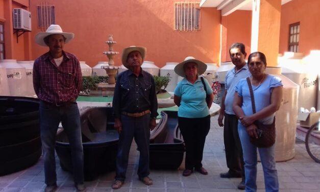 Entregaron insumos para el almacenamiento de agua en Chiautla