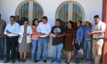 Víctor Reyes inaugura inspectoría de Zolonquiapa