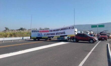 Una semana bloqueada la autopista Siglo 21
