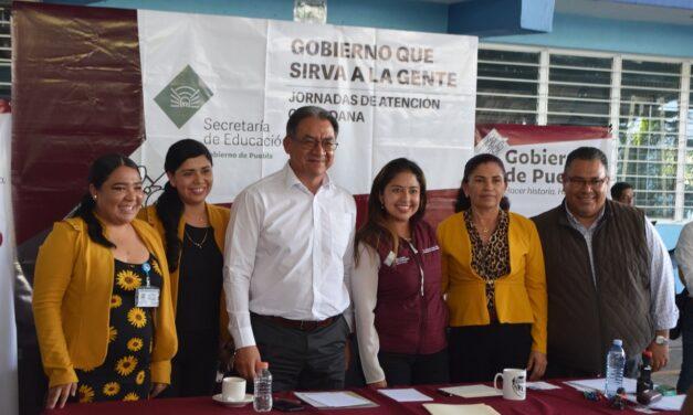 Melitón Lozano brinda atención a maestros de la región