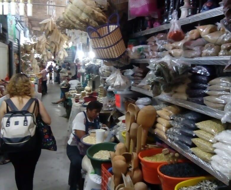Aumentan precios de la canasta básica en Izúcar