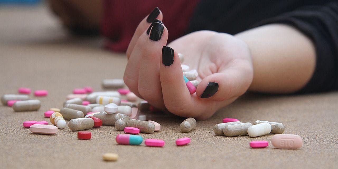Con medicamentos: Adolescente de 16 años de suicida en Acatlán