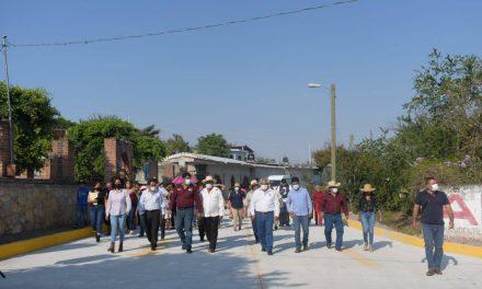 Continúa Ciro Gavilán entregando obra pública en Huaquechula