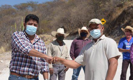 El alcalde Ciro Gavilán inauguró pavimentación en Rancho Nuevo