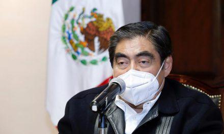 Siguen estricciones sanitarias en Puebla