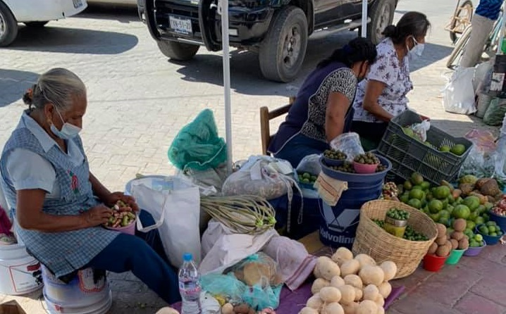 Reportan alza de precios en fruta de temporada