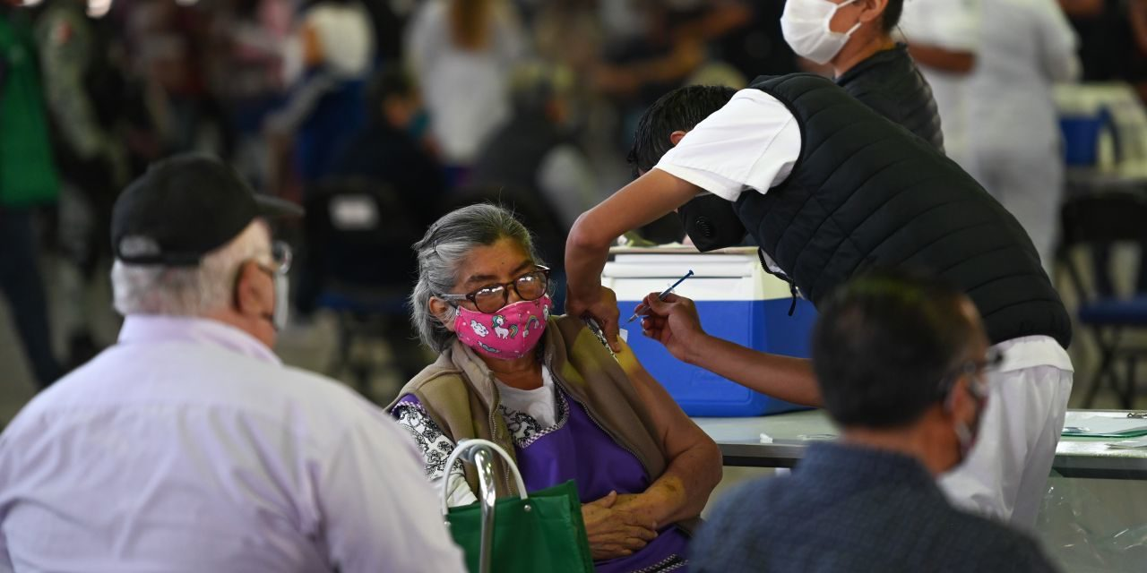 Avanza vacunación en el estado de Puebla