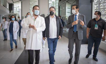 Supervisan Rector, Luciano Concheiro y López Borbolla sede de vacunación BUAP