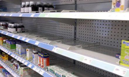 Por crisis de Covid-19 en la india escasean medicamentos en México