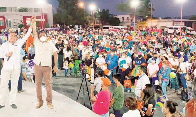 Chietla da su apoyo a Edgardo Ponce y a Juan Pablo Huertero