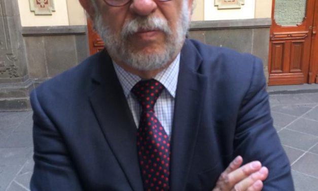 Francisco Vélez Pliego, aspira a la Rectoría