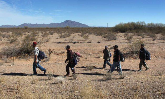 Se dispara cruce de mexicanos a EU