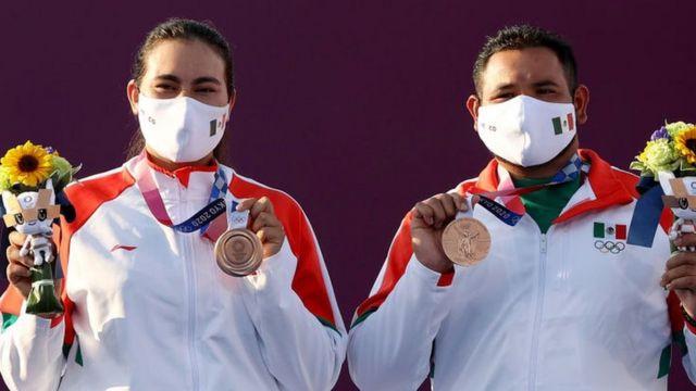 Alejandra Valencia y Luis Álvarez ganan bronce para México