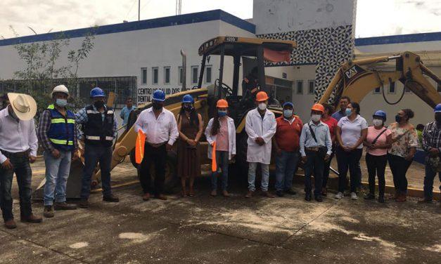 Inicia la construcción del Centro de Salud de Huehuetlán