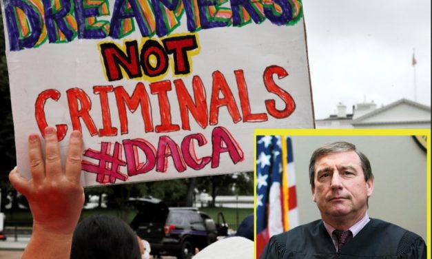 Decretan ilegalidad del programa DACA