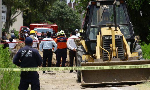 Albañil muere sepultado por toneladas de tierra