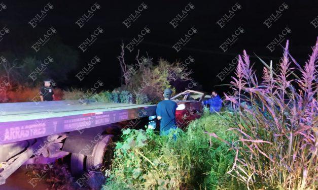 Hombre volcó su automóvil en el libramiento a UTIM