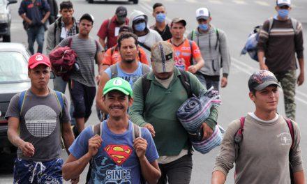 Piden vigilancia sanitaria por regreso de migrantes a la Mixteca Poblana