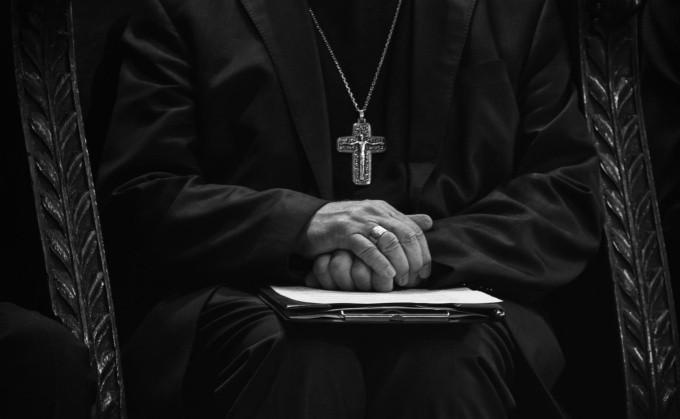 Sacerdotes acusan de anticristos a los vacunados contra el Covid