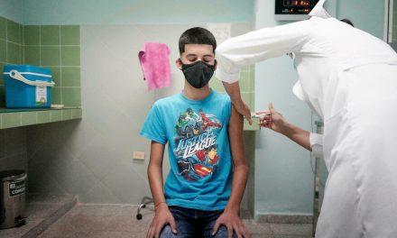 Suman tres amparos para inmunizar a niños poblanos ante el Covid