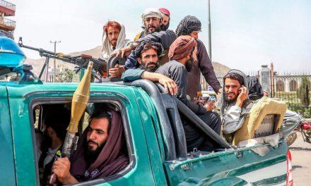 Talibanes tomaron el control de Afganistán