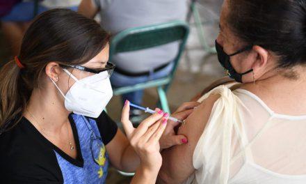 Aprueban tercera dosis de vacuna contra COVID
