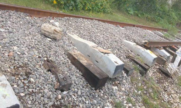 Roban vías férreas de Texmelucan, temen que se descarrile el tren