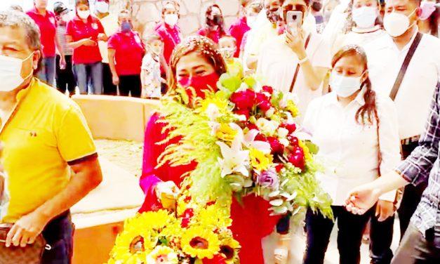 Guadalupe Espinoza, comprometida con el crecimiento de Huehuetlán
