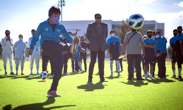 La Rectora Lilia Cedillo inaugura la cancha 5 de fútbol soccer