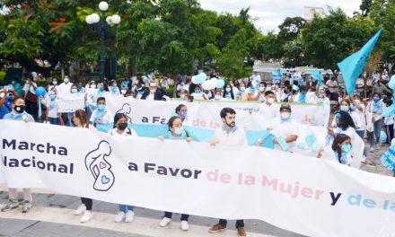 Marchan contra el aborto en Izúcar