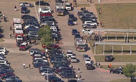 Cuatro heridos, deja tiroteo en secundaria de Texas