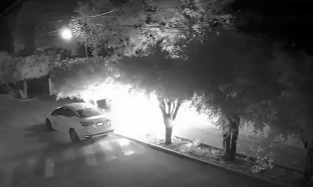 Intentan quemar automóvil estacionado en Izúcar