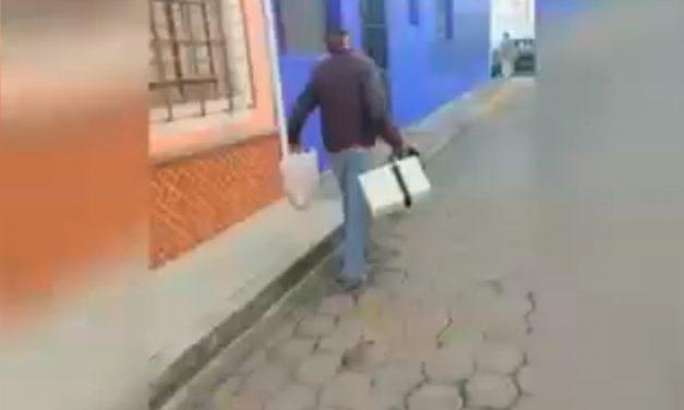 Mujer persigue a ladrón y logra su detención en Atlixco