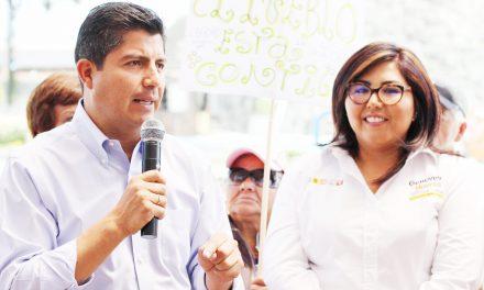 Los panistas quieren 25% de cargos municipales